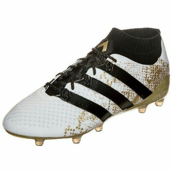 Miglior abbigliamento da calcio scarpe
